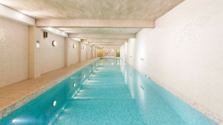 Indoor swimming pool at The County Hall Apartments, ©Galliard Homes.