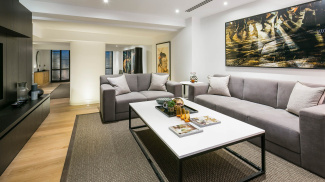 Living area in St Mary at Hill show apartment, ©Galliard Homes.