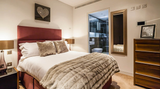 Bedroom at a Marconi House show apartment, ©Galliard Homes.