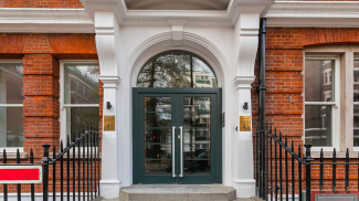 Albany House entrance, ©Galliard Homes.