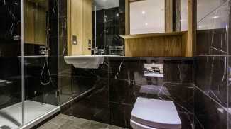 Bathroom at a Red Lion Court show apartment, ©Galliard Homes.