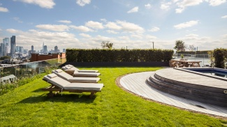 Islington Square penthouse roof terrace and swimming pool, ©Galliard Homes.
