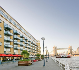 Spice Quay Heights exterior and view of Tower Bridge, ©Galliard Homes.