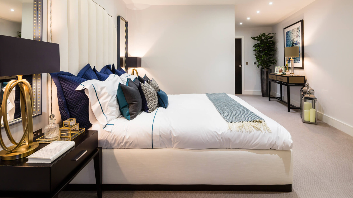 Bedroom featuring interior designs by Nicola Fontanella at the Wapping Riverside show apartment, ©Galliard Homes.
