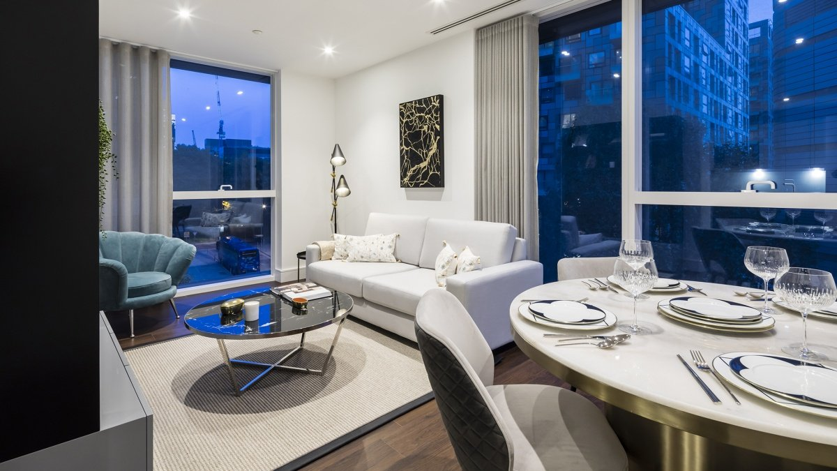 Open-plan living and dining area at Harbour Central, computer generated image intended for illustrative purposes only, ©Galliard Homes.