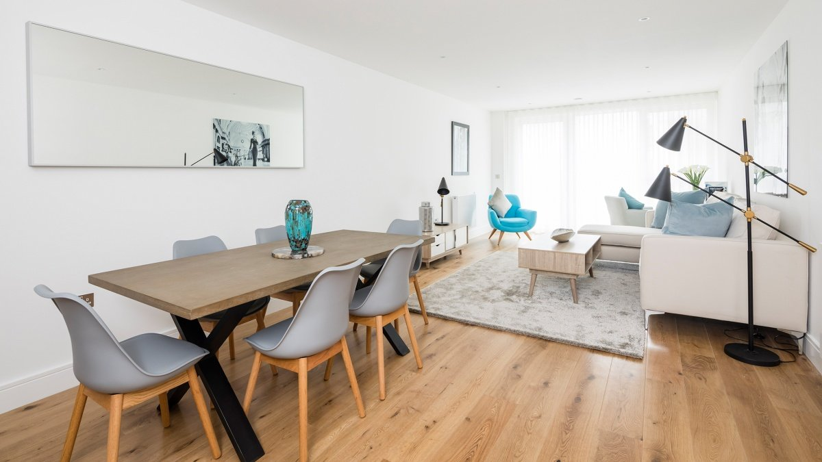 Open-plan living and dining area in a Galliard Homes apartment, ©Galliard Homes.