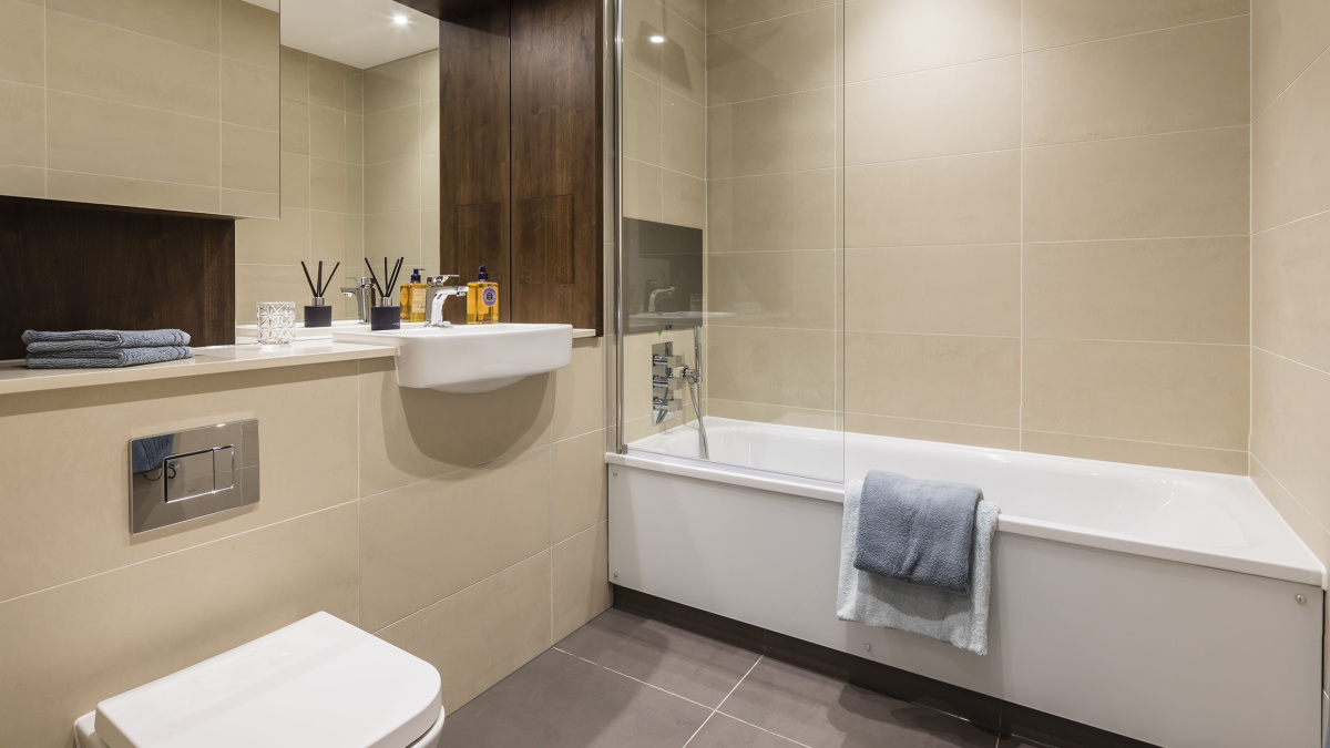 Bathroom at Harbour Central, ©Galliard Homes.