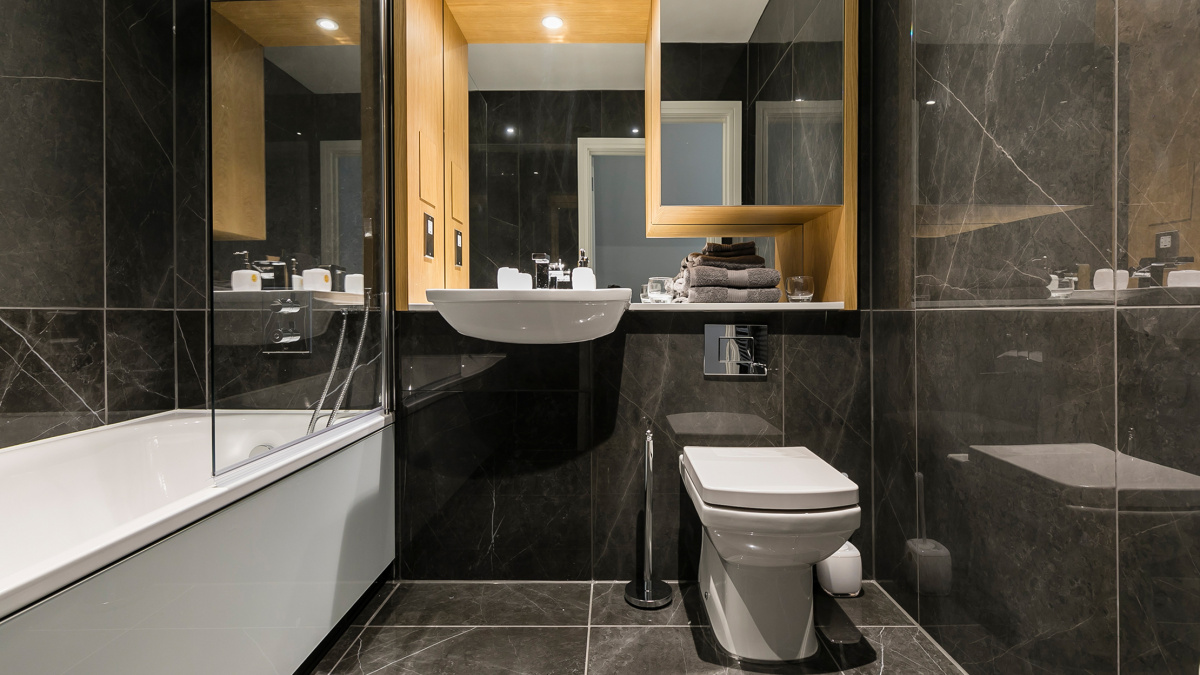 Bathroom at Crescent House, ©Galliard Homes.