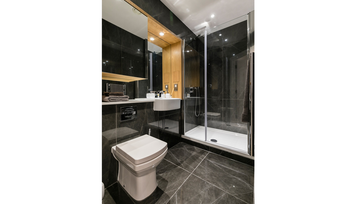 En-suite at Crescent House, ©Galliard Homes.