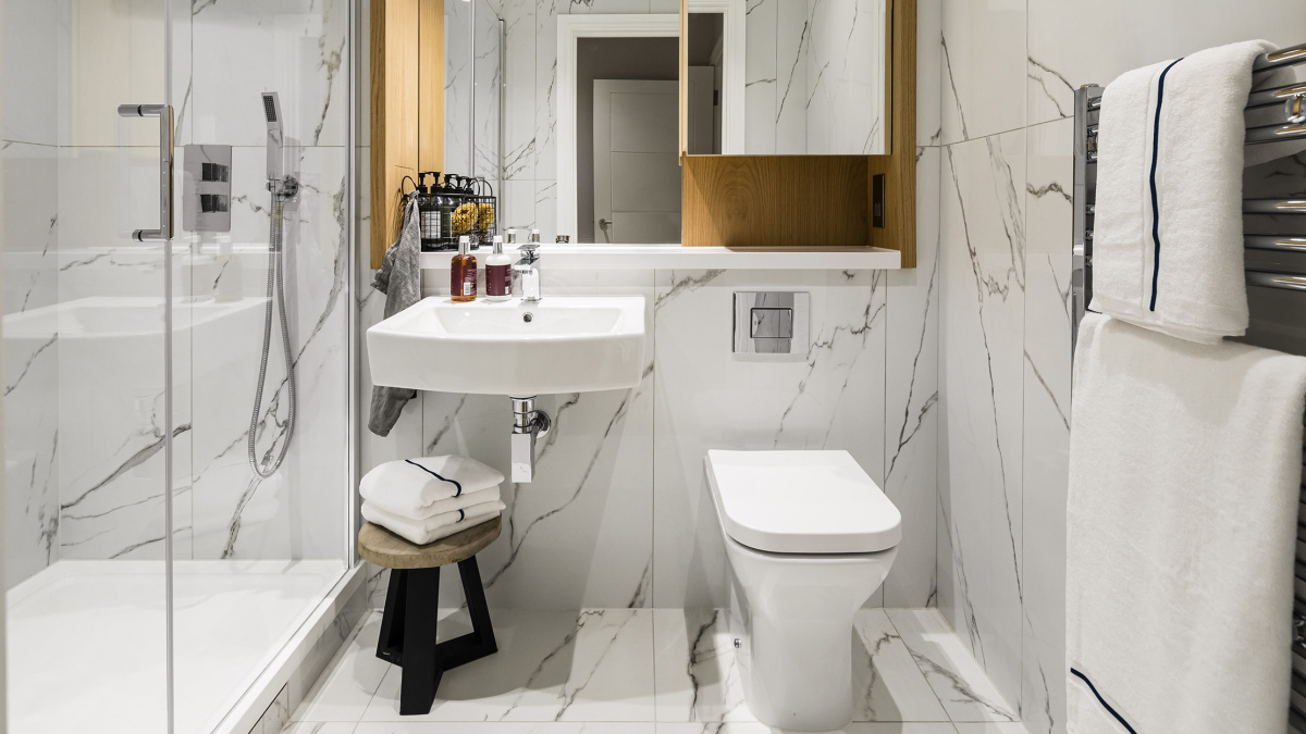 Shower room at a Wimbledon Grounds apartment, ©Galliard Homes.