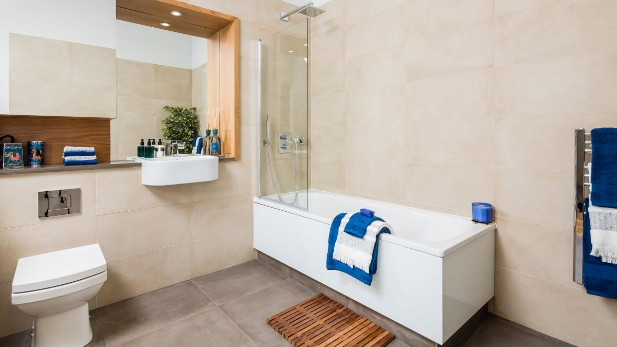 Bathroom at the Silver Works showroom, ©Galliard Homes.
