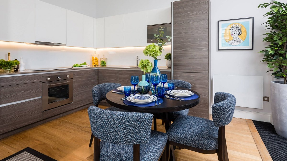 Kitchen and dining area at the Silver Works showroom, ©Galliard Homes.