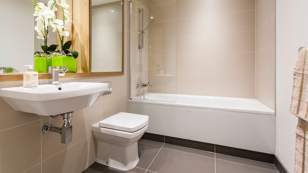 Bathroom at a Galliard Homes show apartment, ©Galliard Homes.