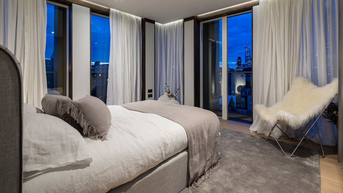 Bedroom in the Trilogy penthouse showflat, plot 32, ©Acorn Property Group.