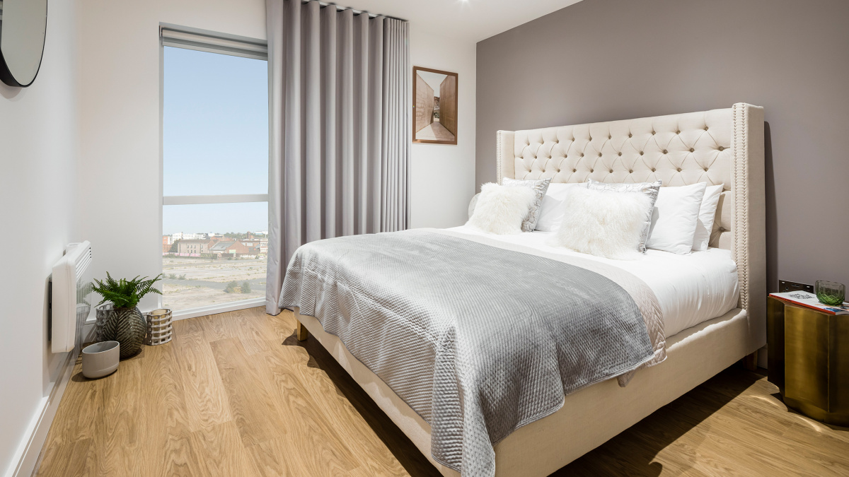 Bedroom at the Timber Yard show apartment, ©Galliard Homes.