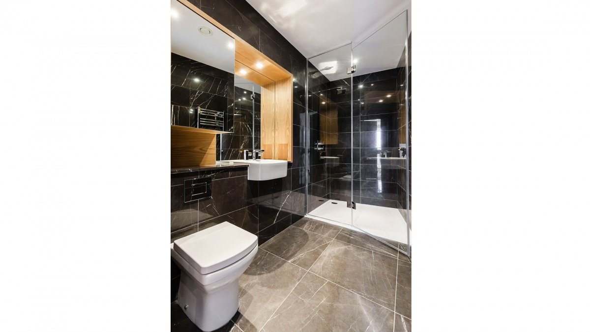 Typical Baltimore Tower shower room, ©Galliard Homes.