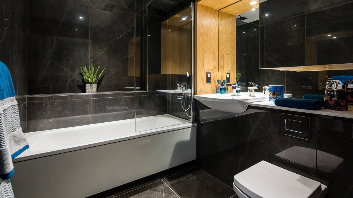 Bathroom at a Crescent House show apartment, ©Galliard Homes.