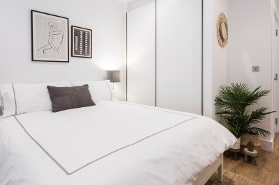 A typical bedroom at a Galliard Homes show apartment, ©Galliard Homes.