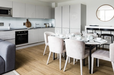 Kitchen and dining area at a Wimbledon Grounds apartment, ©Galliard Homes.