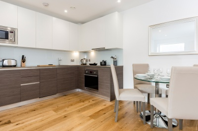 Kitchen and dining area in a Galliard Homes show apartment, ©Galliard Homes.