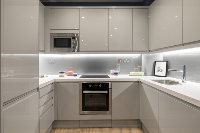 A typical kitchen at a Galliard Homes show apartment, ©Galliard Homes.